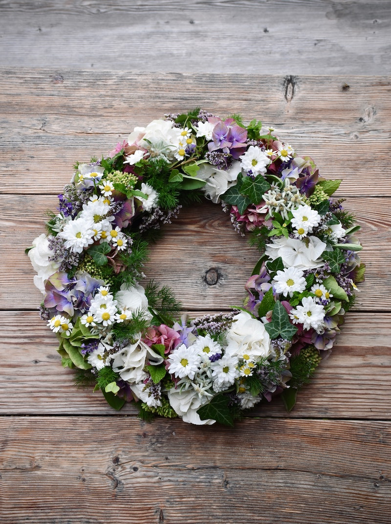 How To Make A Diy Funeral Wreath Step By Step Cake Blog