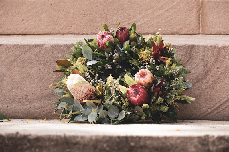 How To Secure Flowers In A Cemetery Vase Step By Step Cake Blog